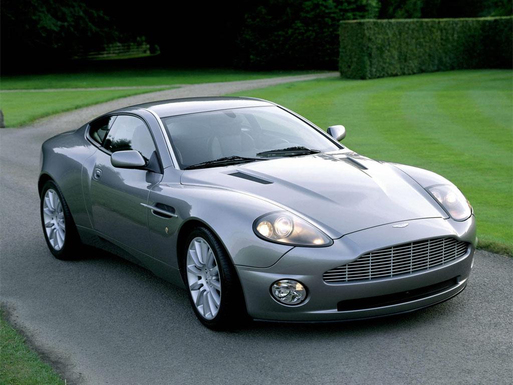 Aston_martins_v12_vanquish_07