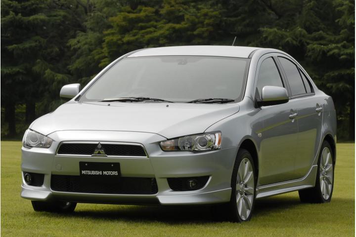 Mitsubishi_galant_fortis1