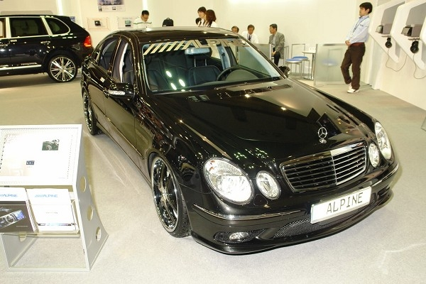 Alpine_mercedes_benz_e500