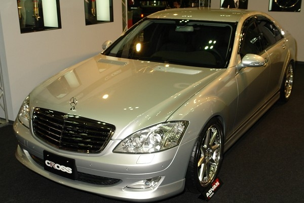 Cross_mercedes_benz_s350