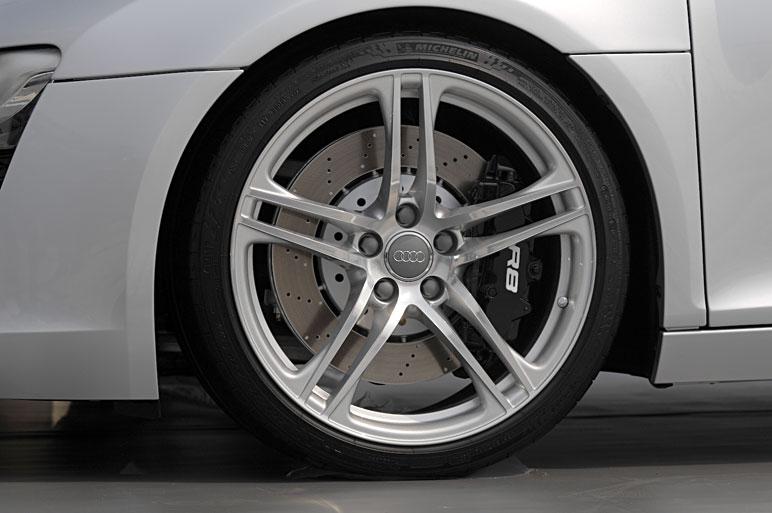 Audi_r816