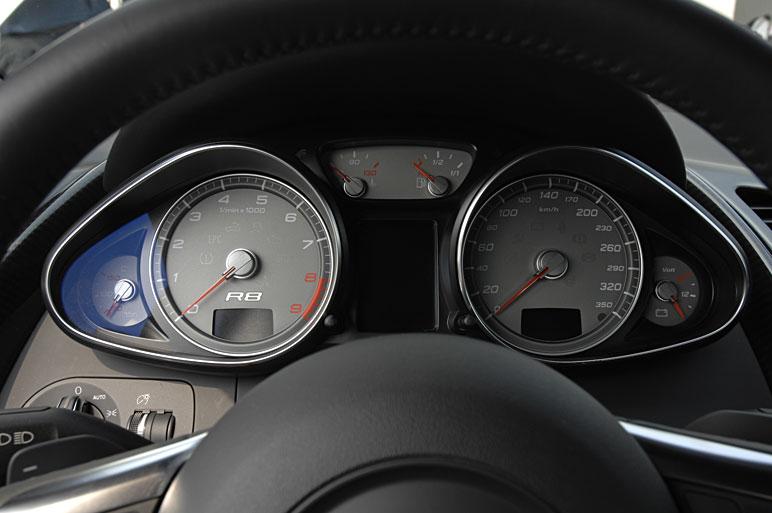 Audi_r818