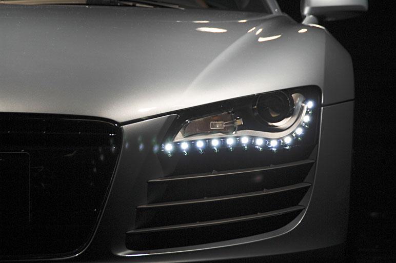 Audi_r821