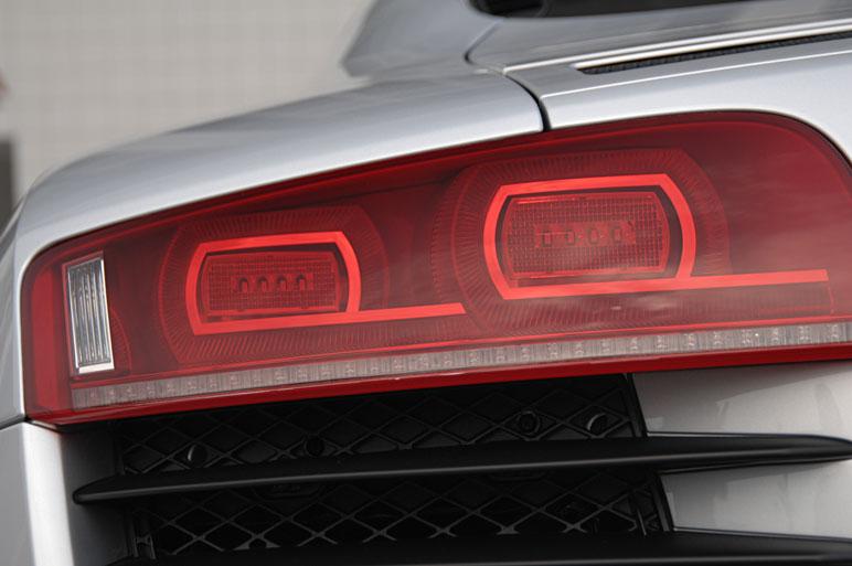 Audi_r823