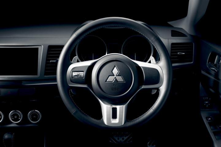 Mitsubishi_lancer_evolution_x20