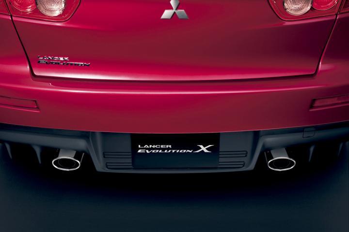 Mitsubishi_lancer_evolution_x24