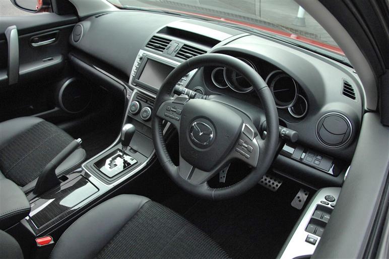 Mazda_atenza9