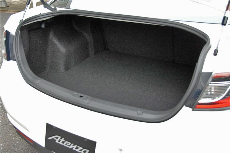 Mazda_atenza_sport4