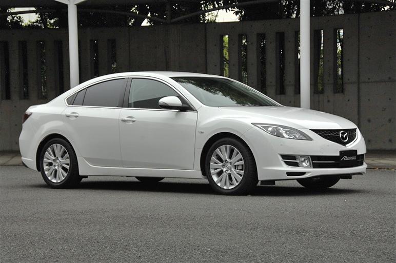 Mazda_atenza_sport_2