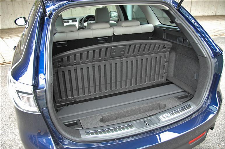 Mazda_atenza_wagon5