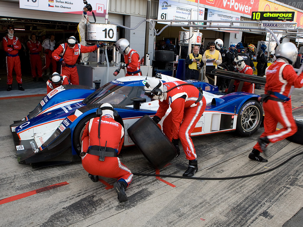 Fuel_and_tires_for_the_lola_aston