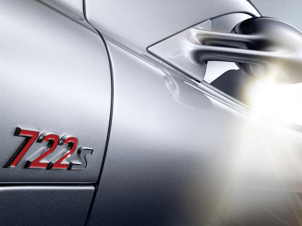 Mercedes_benz_slr_mclaren_roadste_4