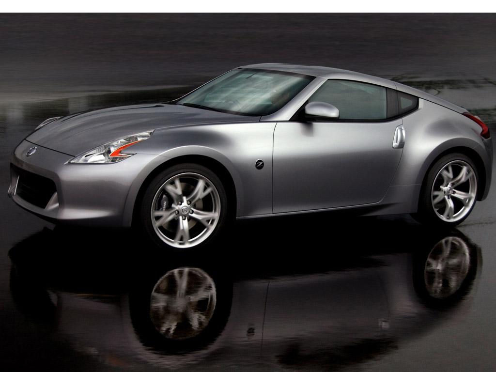 Nissan_370z_coupe
