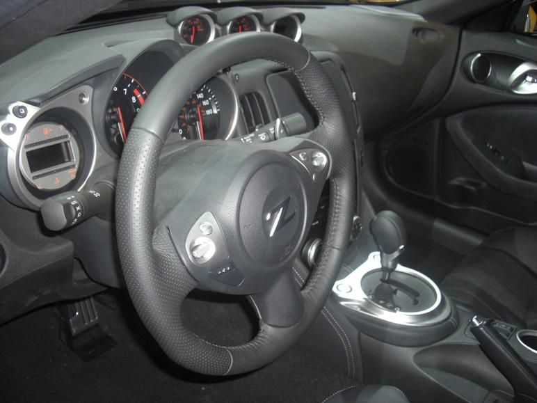 Nissan_370z7